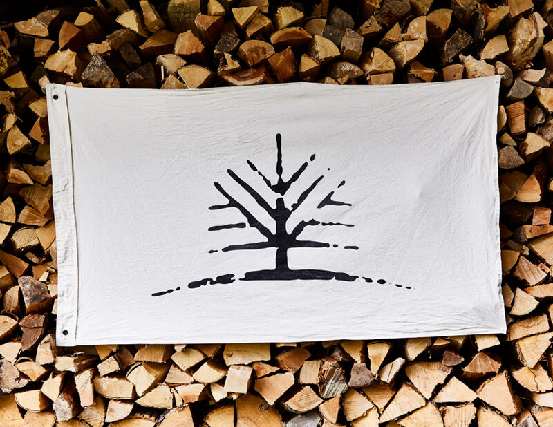 Woodlife Ranch Tree Flag